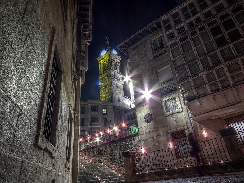 http://www.irenazvitoria.com/wp-content/uploads/2017/12/Casco_viejo_noche_de_velas.jpg
