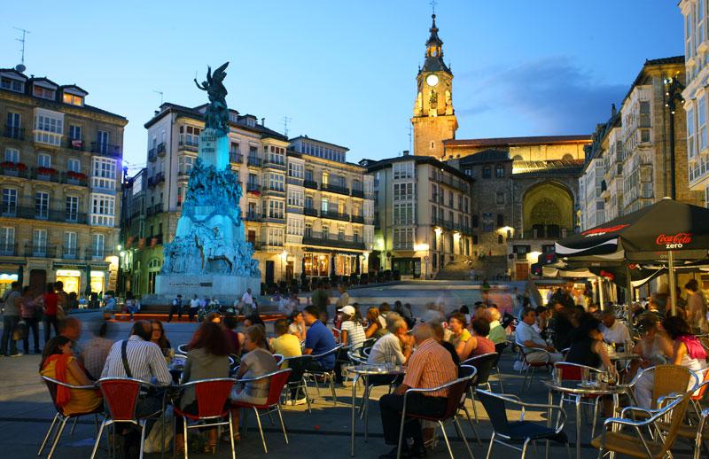 http://www.irenazvitoria.com/wp-content/uploads/2018/02/plaza-de-la-virgen-blanca.jpg