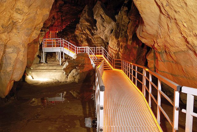 Grottes d'Arrikrutz en famille